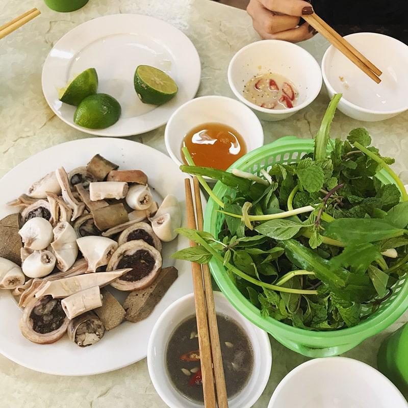 Ẩm thực ở chợ Châu Long