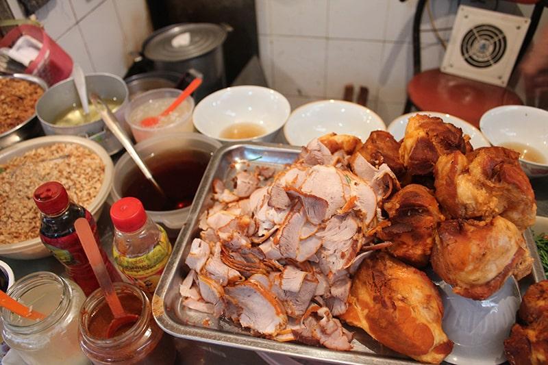 Ẩm thực ngõ Chợ Đồng Xuân