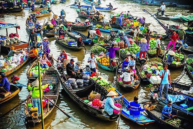 Chợ nổi Cái Bè ở Tiền Giang