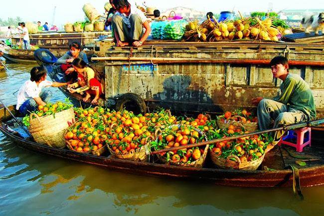Chợ nổi Năm Căn ở Cà Mau