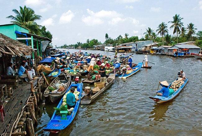 Chợ nổi Vĩnh Thuận ở Kiên Giang