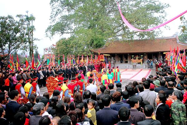 Các lễ hội dịp Tết Nguyên đán gần Hà Nộithu hút du khách nhất 8