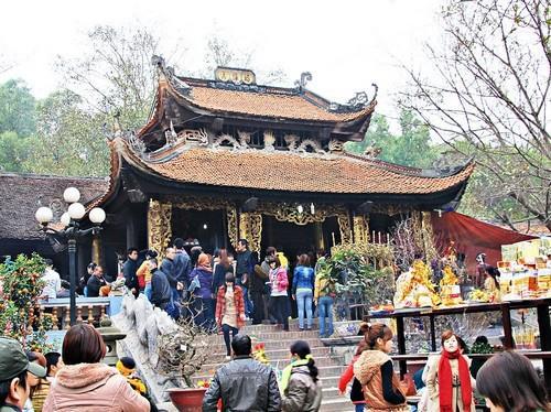 Các lễ hội dịp Tết Nguyên đán gần Hà Nộithu hút du khách nhất 4