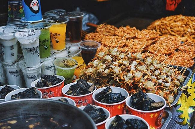 Đồ ăn ở Phượng Hoàng cổ trấn
