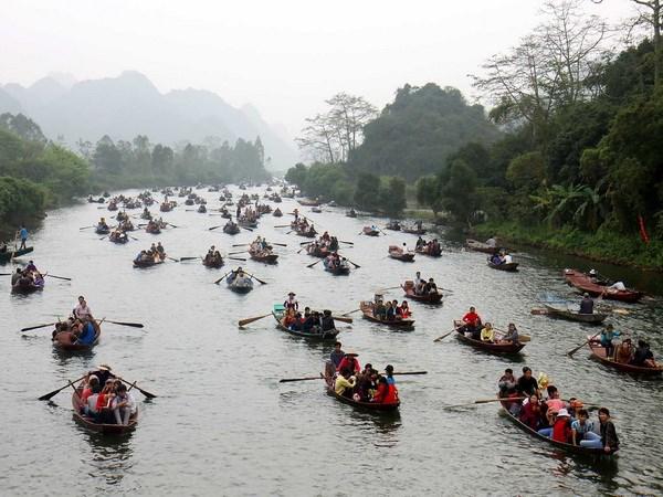 Đi lễ hội chùa Hương du xuân ngày đầu năm 4