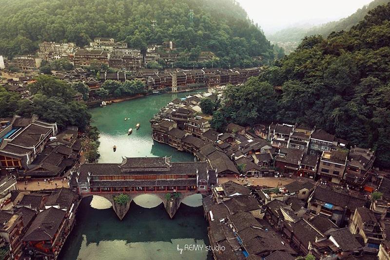 Toàn cảnh Phượng Hoàng cổ trấn