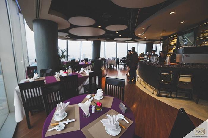 Không gian trong quán Cafe EON Bitexco