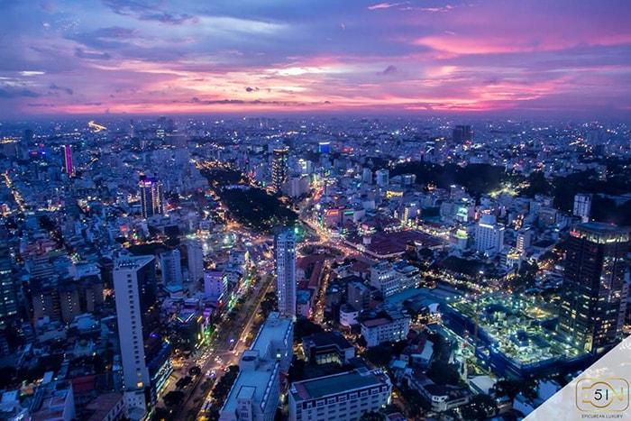 Toàn cảnh Sài Gòn nhìn từ Cafe EON Bitexco