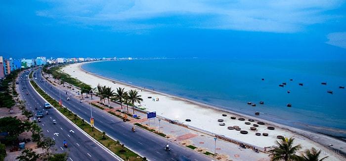 Cho bé đi du lịch biển ở khám phá Đà Nẵng