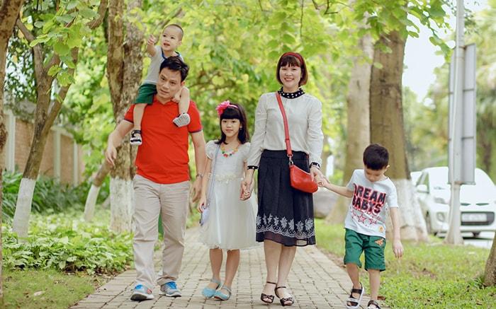 Nên cho trẻ đến những khu nghỉ dưỡng hay địa điểm di chuyển dễ dàng