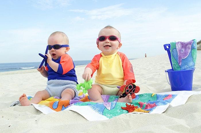 Chuẩn bị quần áo đầy đủ, thích hợp cho bé khi đi du lịch
