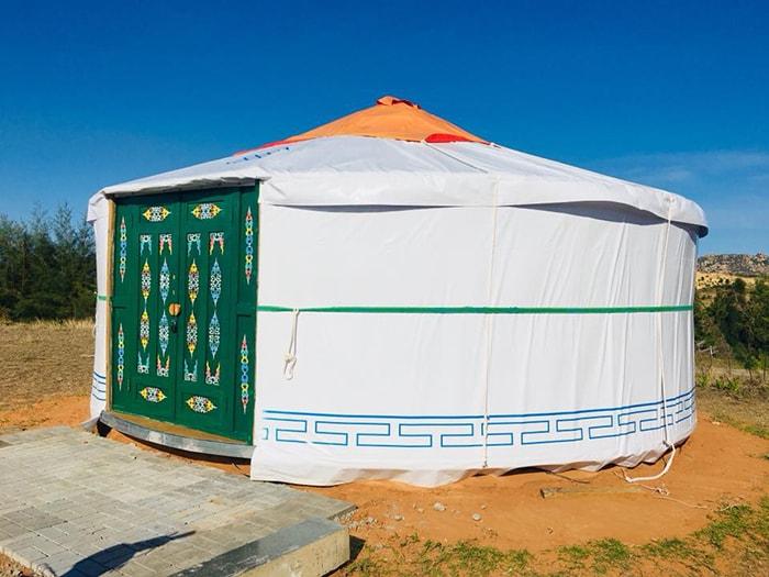 Những chiếc lều Mông cổ là hình thức lưu trú rất phổ biến ở Làng Mông cổ
