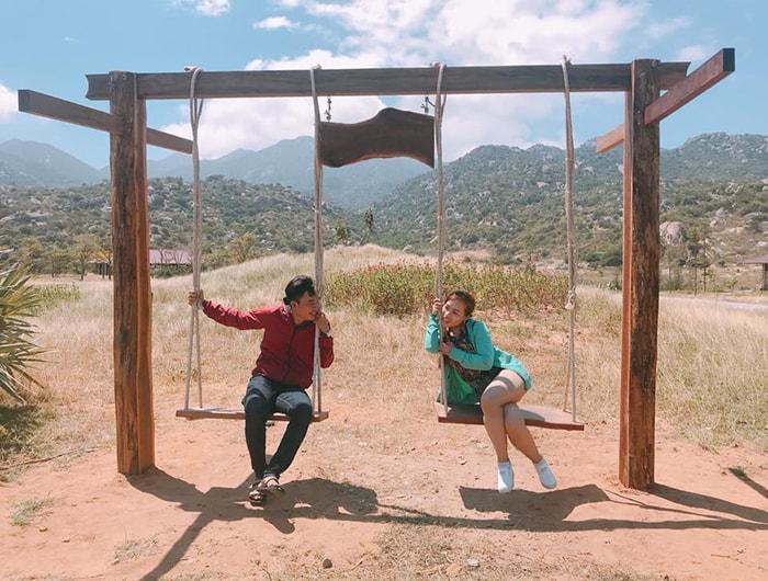 Các trò chơi quay về tuổi thơ ở làng Mông cổ Tanyoli Ninh Thuận