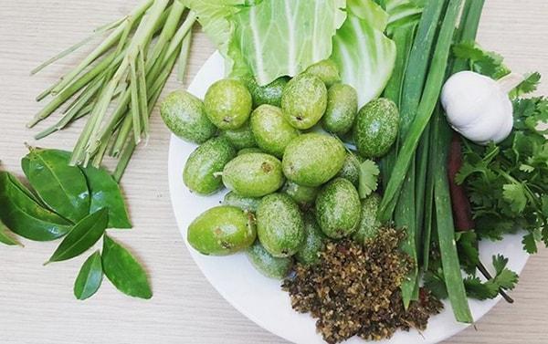 Bắp cải cuốn nhót xanh