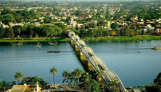 Cầu Trường Tiền là biểu tượng của thành phố Huế