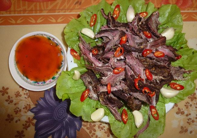 Lam nhọ - đặc sản Điện Biên