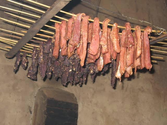 Đặc sản thịt xông khói Điện Biên