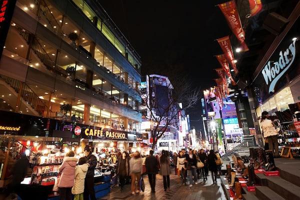 Khu mua sắm ở Hàn Quốc nổi tiếng nhất về thời trang - Myeongdong