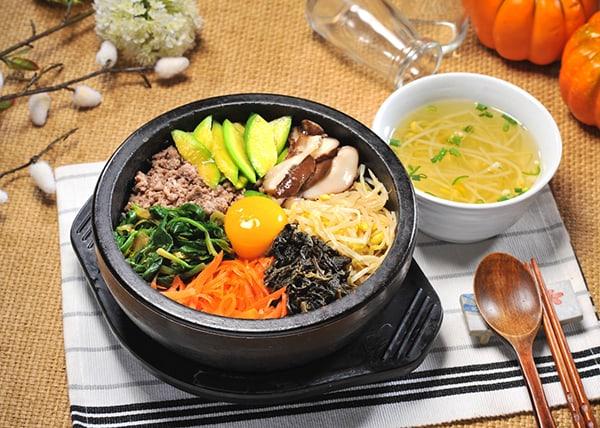 Kinh nghiệm du lịch Hàn Quốc: ăn cơm bằng thìa