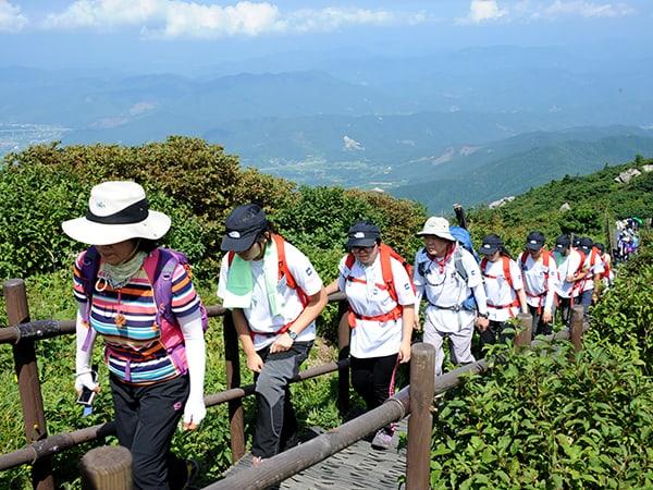 Hoạt động leo núi tại Hàn Quốc