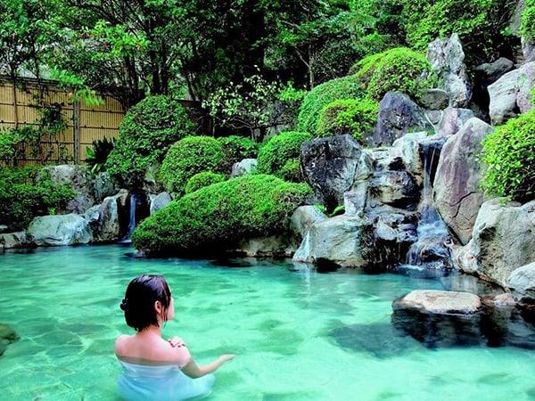 Tắm suối nước nóng Ureshino Onsen, Nhật Bản