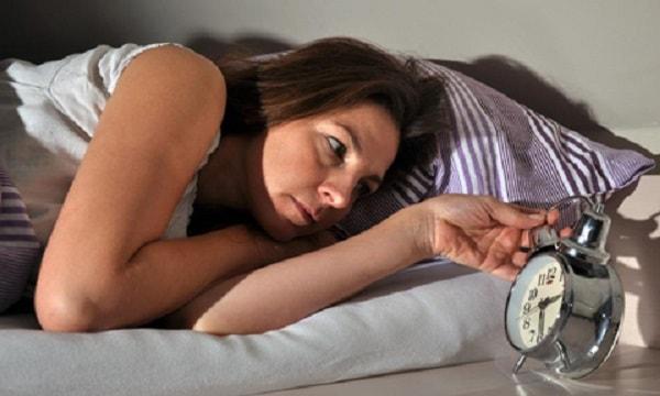 Nỗi khổ của những người bị mất ngủ kéo dài 1