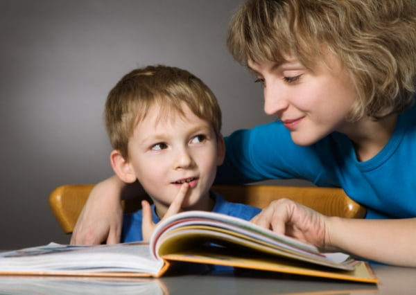 Học sinh đọc nhiều sách sẽ nâng cao khả năng học tốt môn Văn