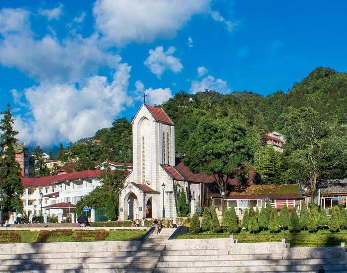 Kinh nghiệm đi du lịch nhà thờ đá Sapa