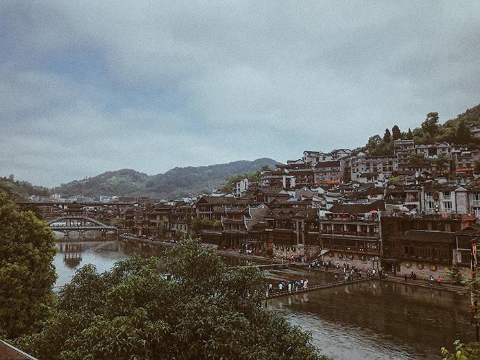 Phượng Hoàng cổ trấn ở Trung Quốc