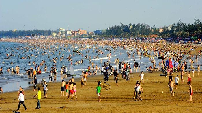 Bãi biển Cửa Lò là địa điểm du lịch nổi tiếng ở Vinh