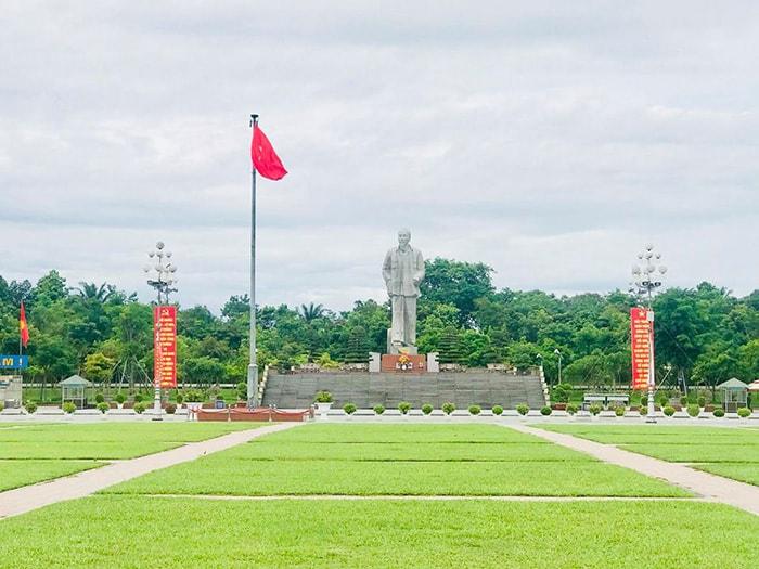 Quảng trường Hồ Chí Minh ở thành phố Vinh