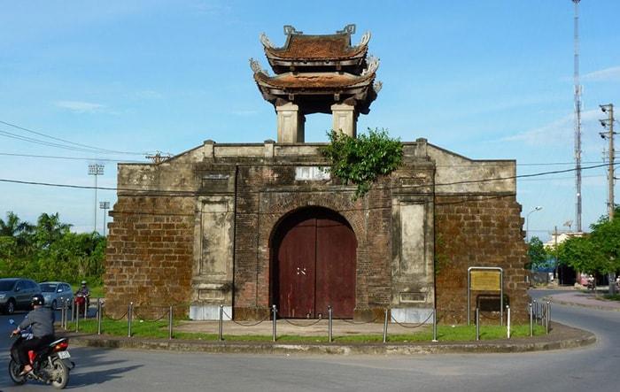 Di tích còn sót lại của Thành cổ Nghệ An