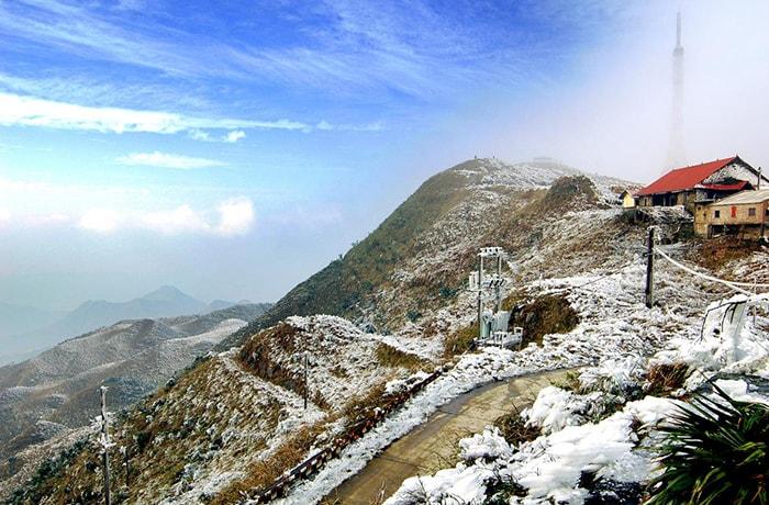 Ngắm tuyết rơi trên đỉnh Mẫu Sơn, Lạng Sơn