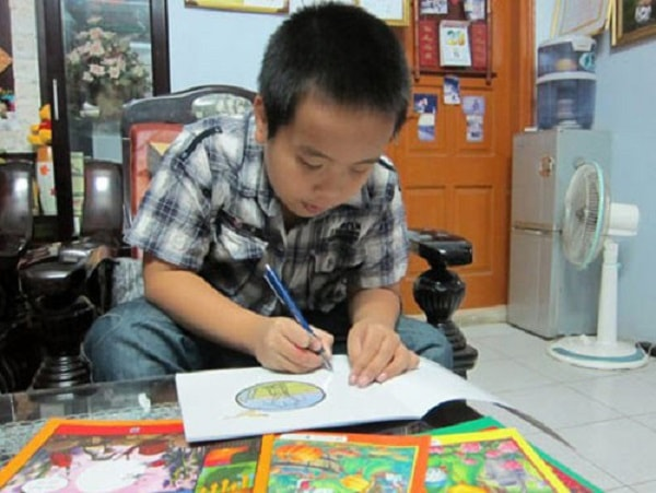 Nhật Nam đang tập trung học tập