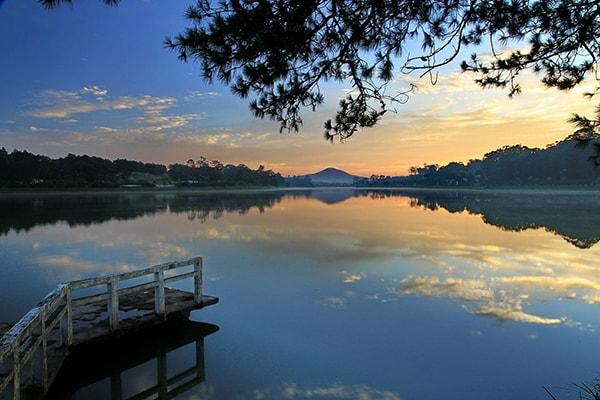Hồ Xuân Hương là địa điểm nổi tiếng ở Đà Lạt