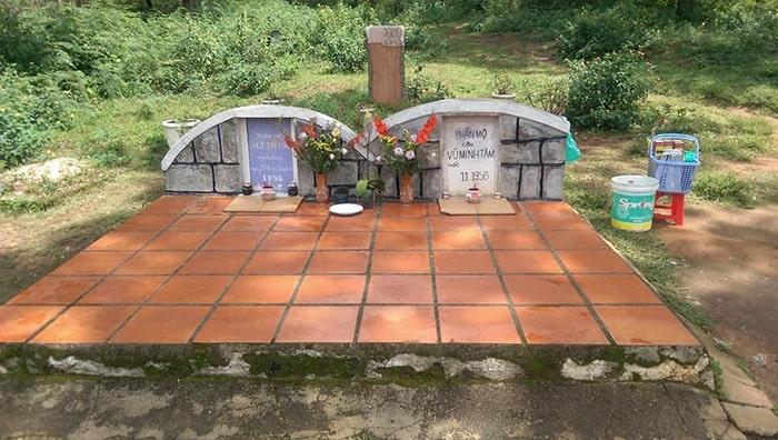 Khu mộ của chàng Tâm và nàng Thảo