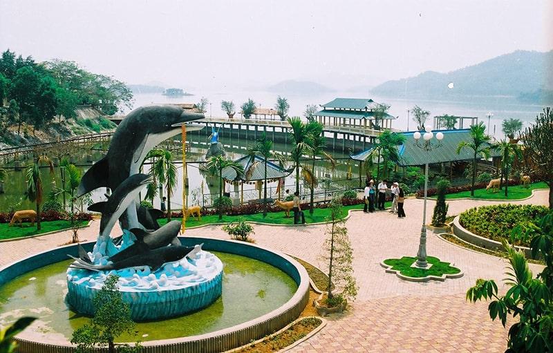 Khu du lịch hồ núi Cốc khá gần Hà Nội