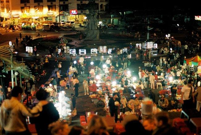 Khám phá chợ đêm Đà Lạt là trải nghiệm không thể bỏ qua
