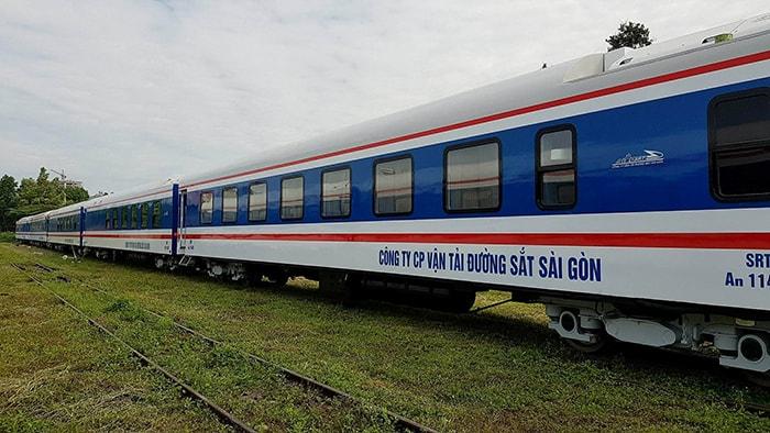 Đi Đà Lạt bằng tàu hỏa cũng là một cách tiết kiệm chi phí