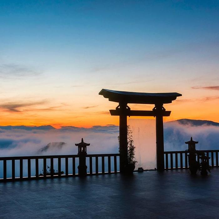 Chùa Linh Quy Pháp Ấn được coi là Cổng trời của Lâm Đồng