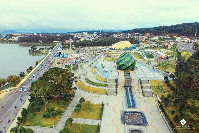 Quảng trường Lâm Viên nhìn từ trên cao