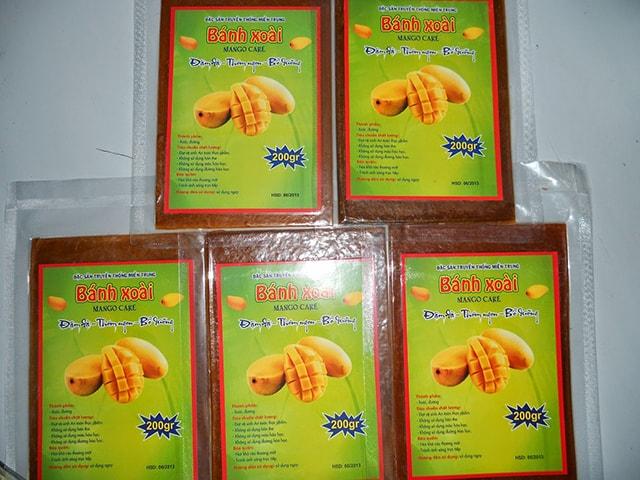 Bánh tráng xoài Nha Trang là món ăn vặt tiện dụng và rất thơm ngon