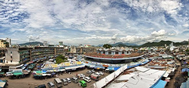 Chợ Đầm là tên gọi dân dã của Trung tâm Thương mại Nha Trang