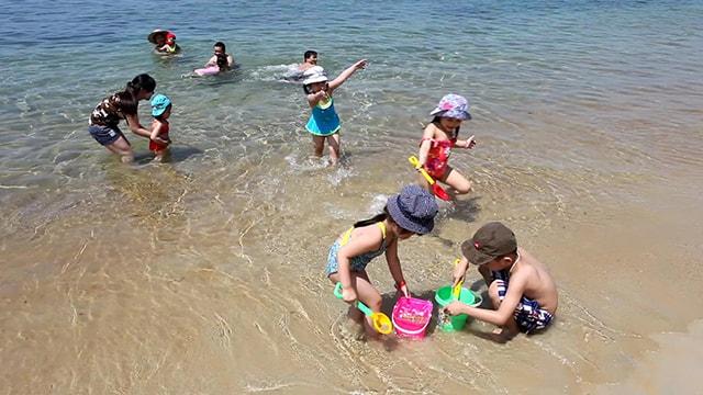 Cần chú ý tới trẻ em khi đi du lịch biển