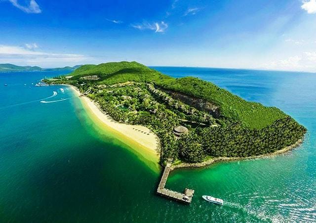Đảo hòn Mun nhìn từ trên cao