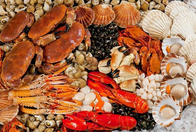 Hải sản Nha Trang nổi tiếng tươi ngon, giá lại rất rẻ
