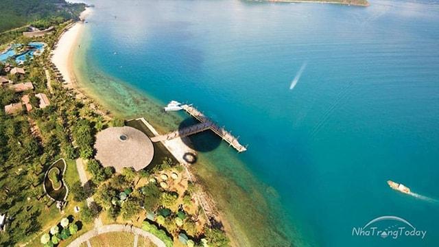 Hòn Tằm là một trong những hòn đảo đẹp nhất của Nha Trang