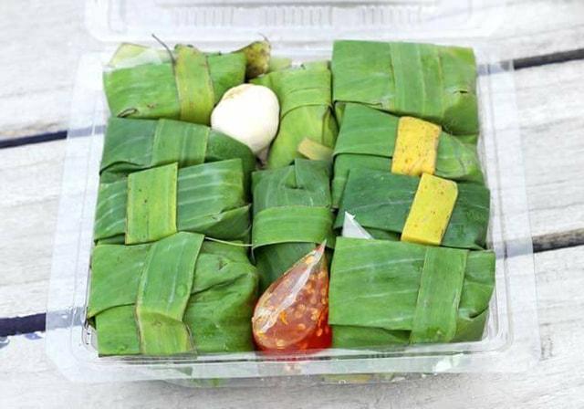 Nem chua Ninh Hòa là món ăn rất thích hợp mang về làm quà