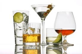 Người nhiễm HIV không nên sử dụng thức uống có cồn