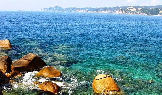Vịnh Vân Phong là một vịnh biển đẹp ở Nha Trang